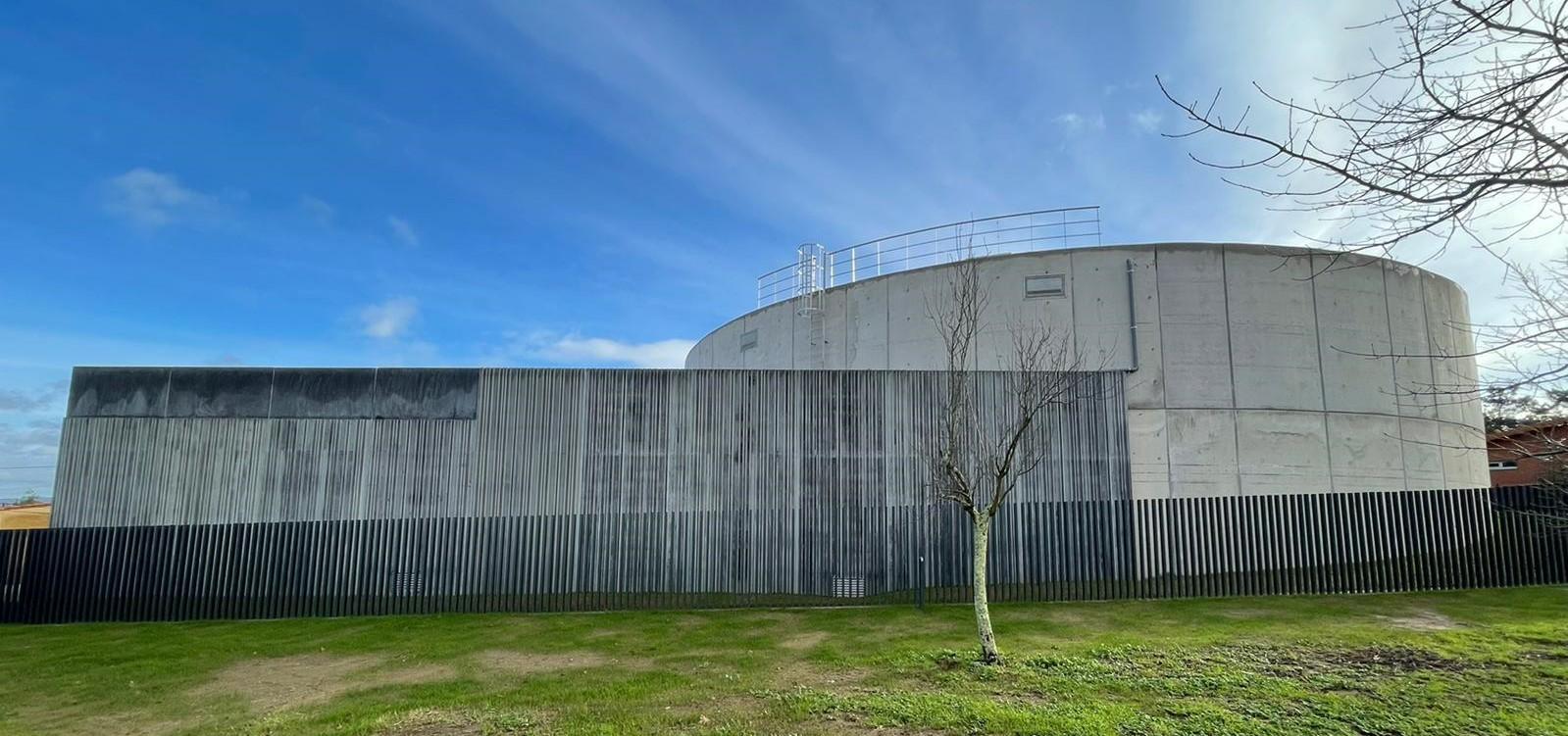 EMALCSA pone en marcha el depósito de agua de Almeiras